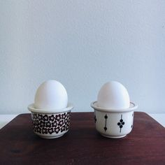 """Vintage Arabia Finland egg cup sets named """"Faenza"""" and """"Kartano """"designed by Inkeri Leivo / Esteri Tomula, 1970s, Made in Finland"""