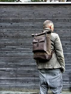 This backpack is made from heavy weight waxed canvas in the color field tan with an outside pocket made in oiled leather.(color of the leather is. Waxed Canvas, Canvas Leather, Leather Bags, Rucksack Backpack, Canvas Backpack, Camping Style, Unisex, Fashion Backpack, Taupe