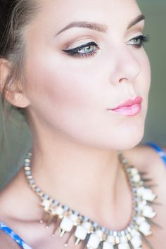 Nude Makeup, Pearl Necklace, Make Up, Pearls, Diamond, Nudes, Beauty, Jewelry, String Of Pearls