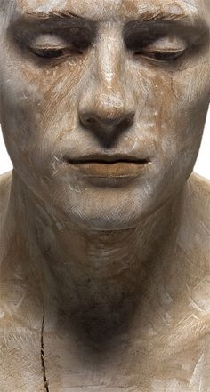 Bruno Walpoth - wooden sculpture. His sculptures are utterly realistic and hauntingly beautiful.
