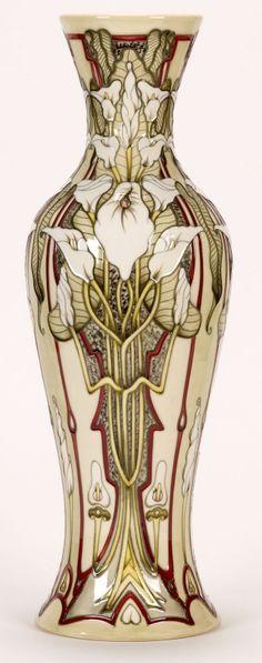 Moorcroft Pottery / Designer: Sarah Brummell-Bailey