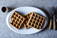 Spiced Stout Waffles - this recipe uses beer to make fluffy batter - dying to try it!