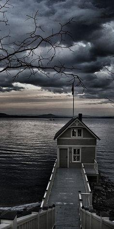 temps gris - maison sur berges