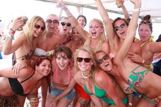 """Craque pour une de nos fameuses """"boat party"""" à Valencia, Ibiza, Malaga, Albufeira, des destinations de rêve ! Malaga, Ibiza, Destinations, Swimwear, Young Living, Bridal Shower, Creative Ideas, Barcelona, Bathing Suits"""