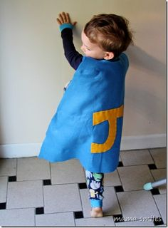 Super simple Superhero capes - great as part of a DIY Halloween costume and wonderful for pretend play as well! Diy Superhero Costume, Superhero Capes, Batgirl Costume, Happy Mom, Happy Kids, Diy For Kids, Cool Kids, Safety Rules For Kids, Cape Tutorial