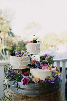 3 Tips And 20 Ideas To Display Your Wedding Cake #tips #ideas #display #wedding #cake