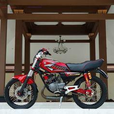 Image may contain: motorcycle Yamaha Rx100, Yamaha Bikes, Super Bikes, Cars And Motorcycles, Vehicles, King, Instagram, Tattoo, Sport
