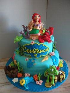 Bolo Ariel e o monstro verde