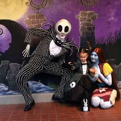 AD-Mom-Sews-Disney-Costumes-For-Her-Daughter-09