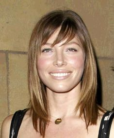 Jessica Biel with a Mid-Length Hair Cut, and Bangs! Layered Hair With Bangs, Medium Length Hair With Layers, Bangs With Medium Hair, Medium Layered Hair, Mid Length Hair, Medium Hair Cuts, Shoulder Length Hair, Medium Hair Styles, Short Hair Styles