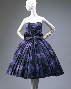 """""""Eventail""""  House of Dior (French, founded 1947)  Designer: Christian Dior (French, Granville 1905–1957 Montecatini) Date: fall/winter 1956–57"""