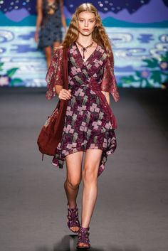 Anna Sui Spring 2014 Ready-to-Wear Fashion Show - Ondria Hardin