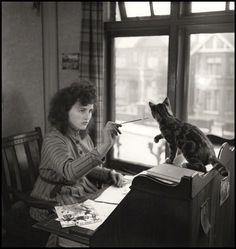 Source: National Portrait Gallery, London. holdthisphoto:  Illustrator Erica Macdonald, 1947 by John Gay