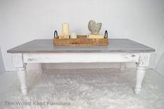 Mesa de centro angustiados blanco y gris. por TheWoodKnotFurniture
