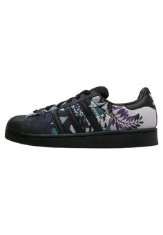 newest 8e36e 033b8 Buy Black Adidas originals Basic sneakers for woman at best price. Compare  Sneakers prices from online stores like Zalando - Wossel United States