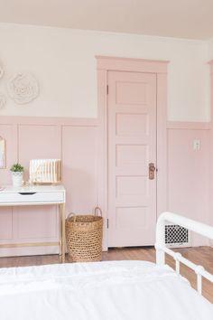 and Gold Girls Bedroom Pink Door with Pink Board and Batten and Trim.Pink Door with Pink Board and Batten and Trim. Dusty Pink Bedroom, Pink Bedroom Walls, Pink Room, Bedroom Doors, Shabby Bedroom, Pretty Bedroom, Bedroom Carpet, Teen Girl Bedrooms, Little Girl Rooms