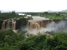 Blue Nile Falls originating at Lake Tana in Ethiopia. النيل الأزرق وقت الفيضان