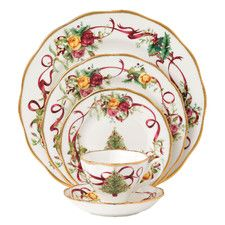 Royal Albert Old Country Roses Christmas Tree Place Setting Multi - Celebrate a warm, old fashioned Christmas with the Royal Albert Old Country Roses Christmas Tree collection. The beautifully decorated Place Setting will charm everyone at your table. Christmas Dinnerware Sets, Christmas Dinner Plates, Christmas China, Christmas Place, Christmas Ideas, Xmas, Holiday Ideas, Christmas Budget, Spode Christmas