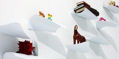 News Lovely Market - Étagère design, légère et aérienne - Les étagères Blow, du designer japonais Naoki Ono, fondateur de l'agence de design YOY, souffleront un vent de douceur et de légèreté sur vos murs. Elles donnent l'impression d'être comme figées après que le vent leur a soufflé dessus. ...