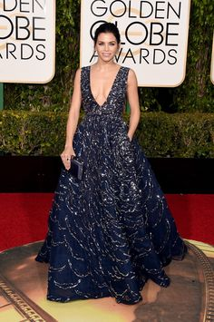 Jenna Dewan-Tatum stunned in a low-cut, sequined ball gown by Zuhair Murad Couture at the Golden Globes.
