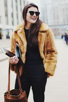 super-chic-short-fur-coat-outfits-to-feel-warm-in-winter-21 - Styleoholic