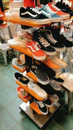 Vans Shoes Fashion, Shoes Sneakers, Cute Vans, Aesthetic Shoes, Fresh Shoes, Hype Shoes, Pretty Shoes, Sock Shoes, Shoe Game
