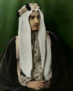The UAE Man  مدونة رجل الإمارات : صور نادرة للملك عبدالعزيز وأبناءه