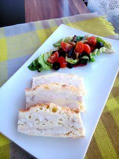 Tejszínes-sajtos rakott csirkemell színes salátával   A tetovált lány konyhája Feta, Camembert Cheese, Dairy, Bread, Blog, Bulgur, Brot, Blogging, Baking