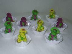 Docinhos fondados com modelagens da Turma do Barney