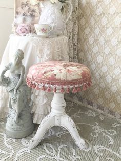RESERVED+Victorian+Piano+Stool+Cast+Iron+Claw+Foot+by+FannyPippin Shabby Chic Curtains, Shabby Chic Cottage, Shabby Chic Homes, Victorian Home Decor, Painted Furniture, Furniture Redo, Piano Stool, French Country Furniture, Romantic Home Decor