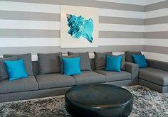 1000 images about living gris morado turquesa on for Sala gris con turquesa