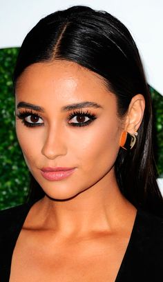 shay-mitchell-2014-gq-men-of-the-year-party-in-los-angeles_9