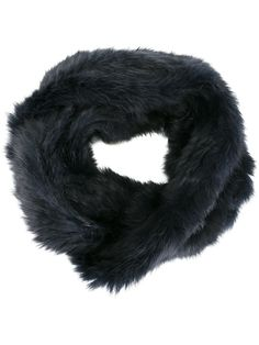 #yvessalomon #scarf #fur #collar #woman #fashion www.jofre.eu