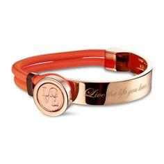 Deze armband uit de collectie van Mi Moneda is gemaakt van edelstaal en elastiek. De sluiting van de armband is geschikt voor de speciaal ontworpen XS-munten die ook in de Click-Ringen van Mi Moneda passen. De munten zijn voorzien van een magneet waardoor ze eenvoudig zelf te verwisselen zijn. BoumanOnline.com