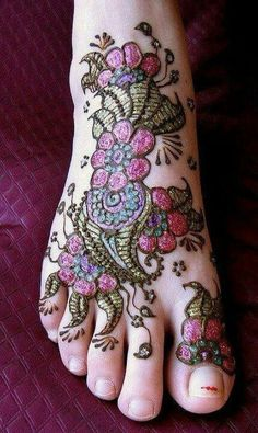 Henna. But Foot tattoos hurts so much cause the needle is directly hitting the bone.
