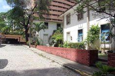 Moradores fazem ato em defesa de condomínio histórico no Meireles | O POVO