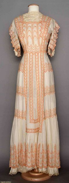 White Lace Tea Gown, C. 1910, Augusta Auctions, MAY 13th & 14th, 2014, Lot 125