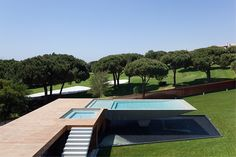 Maison contemporaine dans la région d'Algarve, Portugal Vale Do Lobo est un immense resort pourvu d'un gigantesque golf où fleurissent tout autour des mais