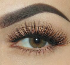 Eyelashes and Eyebrows on point!