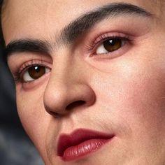 Life Portrait of Frida Kahlo by Kazuhiro Tsuji - Art People Gallery Diego Rivera, Frida E Diego, Frida Art, Special Effects Makeup Artist, Frida Kahlo Portraits, Kahlo Paintings, Mexican Artists, Sculpture Art, Sculptures