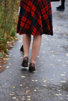 plaid skirt & back seam stockings. #retro #autumn #red #plaid