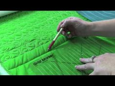 ▶ APQS Tutorial: Clover Border or Sashing - YouTube