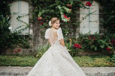 wedding gown Planning on Having a Filipiniana Wedding? Here are 9 Elements You Can Incorporate! Simple Wedding Gowns, Perfect Wedding Dress, Wedding Looks, Dream Wedding Dresses, Bridal Looks, Wedding Blog, Wedding Ideas, Modern Filipiniana Gown, Filipiniana Wedding Theme