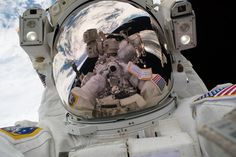 "Nasa Mark Vande Hei's 'Space-Selfie' - On Tuesday, Jan. spacewalker Mark Vande Hei snapped his own portrait, better known as a ""space-selfie,"" during the first spacewalk of the year. Nasa Pictures, Nasa Photos, Nasa Images, Nasa Missions, Moon Missions, Carl Sagan, Cosmos, Selfie, Offshore Bank"