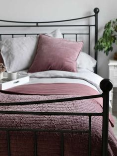 Indulgent, opulent, and ridiculously comfortable, our dusty pink velvet quilt is perfect when layered with natural linens and warm woollens to make your bed wonderfully cosy. Velvet Bed, Velvet Quilt, Pink Velvet, Bedroom Color Schemes, Bedroom Colors, Bedroom Decor, Bedroom Inspo, Bedroom Ideas, Bedroom Storage