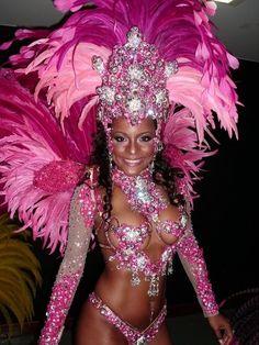Carnival Dancers, Carnival Girl, Brazil Carnival, Trinidad Carnival, Carnival Makeup, School Carnival, Carnival Wedding, Vintage Carnival, Carnival Birthday