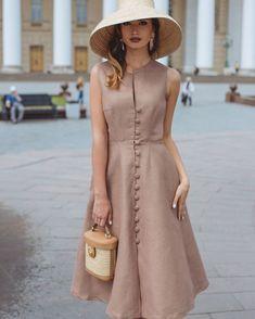 How tо Wear Clothes thаt Flatter Yоu - Knitters Linen Dresses, Modest Dresses, Simple Dresses, Elegant Dresses, Beautiful Dresses, Casual Dresses, Elegant Outfit, Classy Dress, Classy Outfits