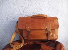 Your place to buy and sell all things handmade Leather Briefcase, Leather Bags, Leather Handle, Soft Leather, Laptop Bag, School Bags, Westerns, Satchel, Mexico
