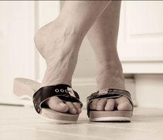 male feet in Dr Scholl's