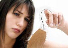 No inverno é de praxe que você sinta que seu cabelo cai mais do que no restante do ano. E dois fatores são importantíssimos para que você tenha essa sensação. O primeiro é que, segundo os especialistas, como os dias são mais curtos, e o cabelo precisa de luz para viver, ele percebe a reação [...]